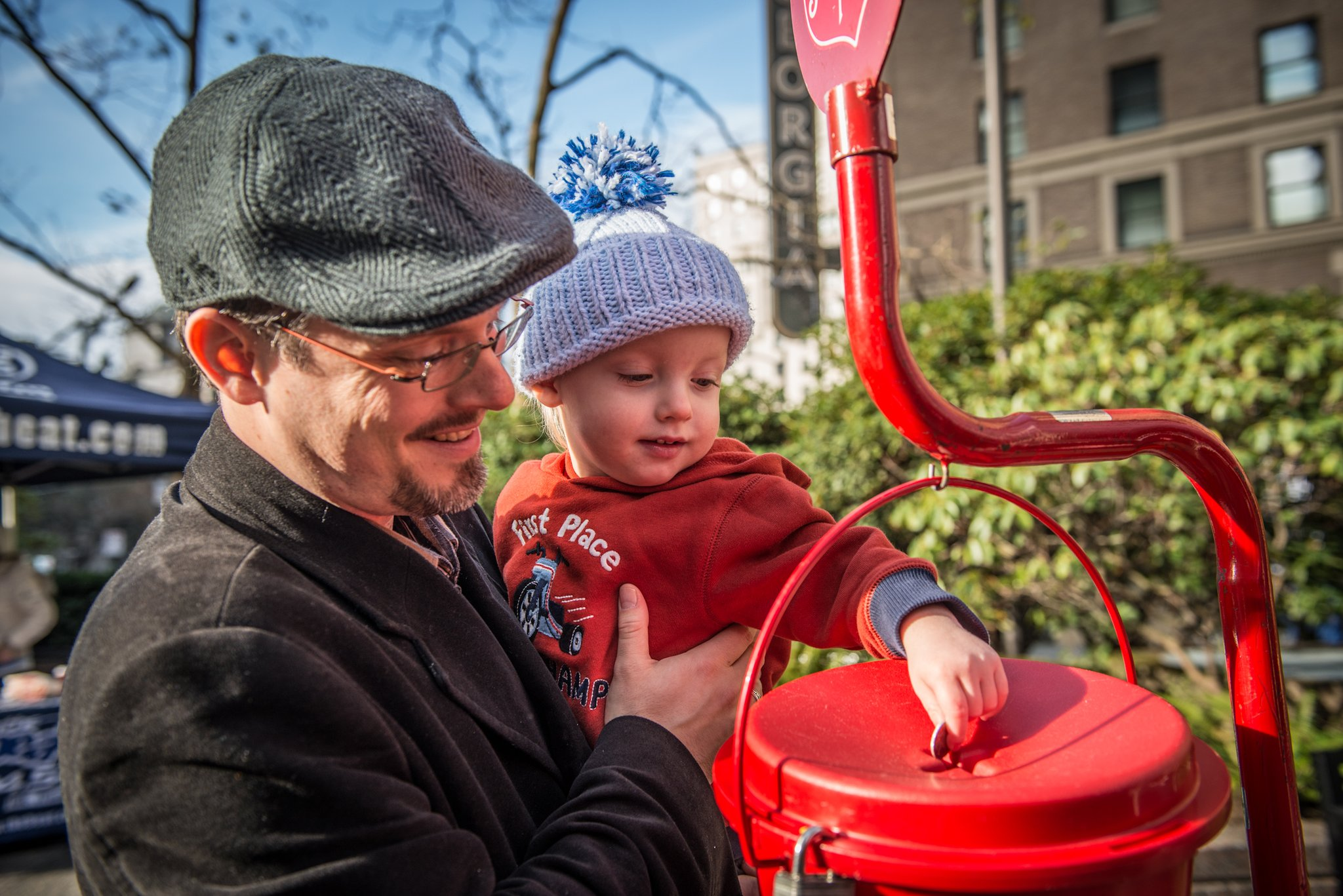 The Salvation Army - Salvationist.ca - Kettle Campaign 2016