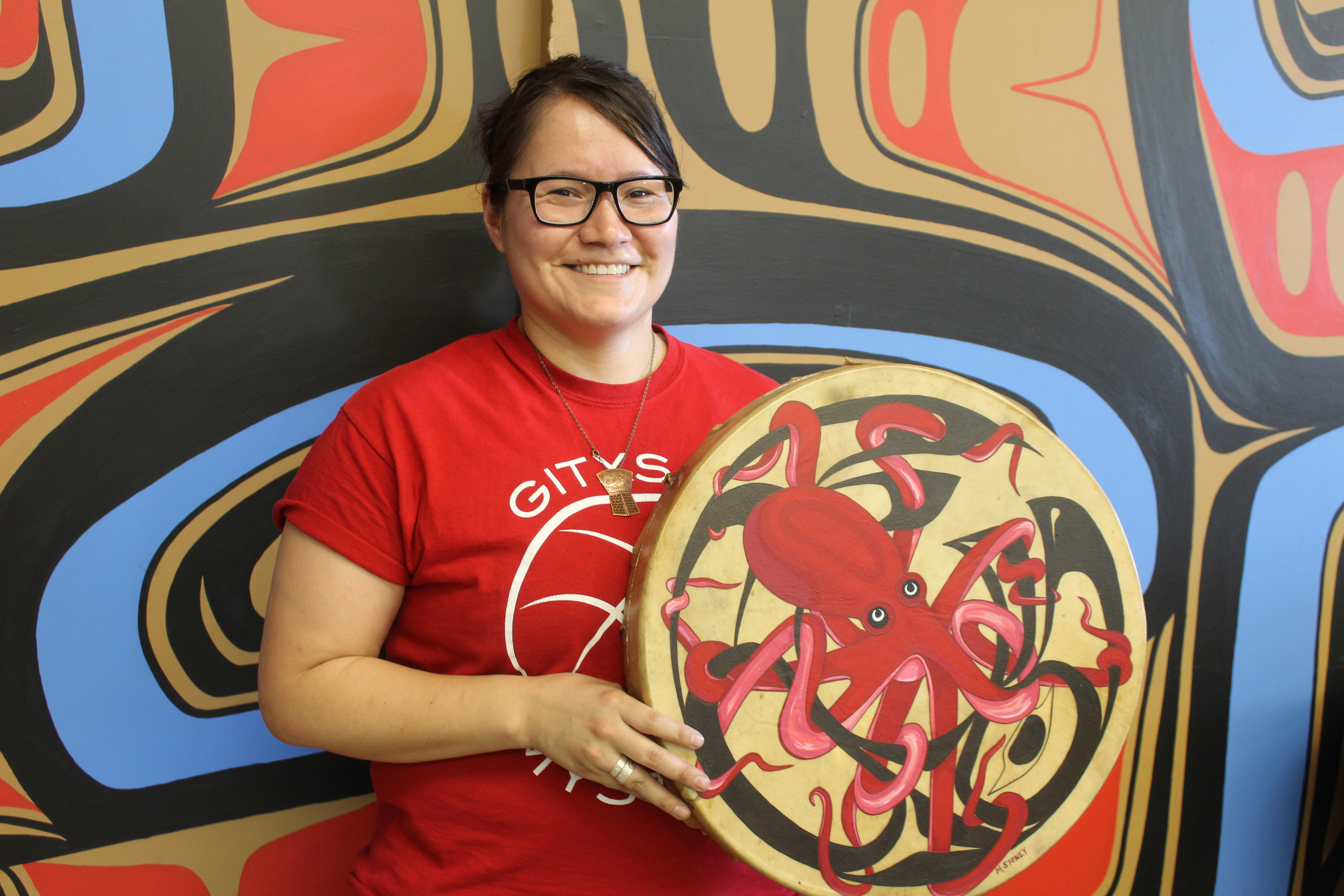 Photograph of Indigenous painter and Salvationist Michelle Stoney