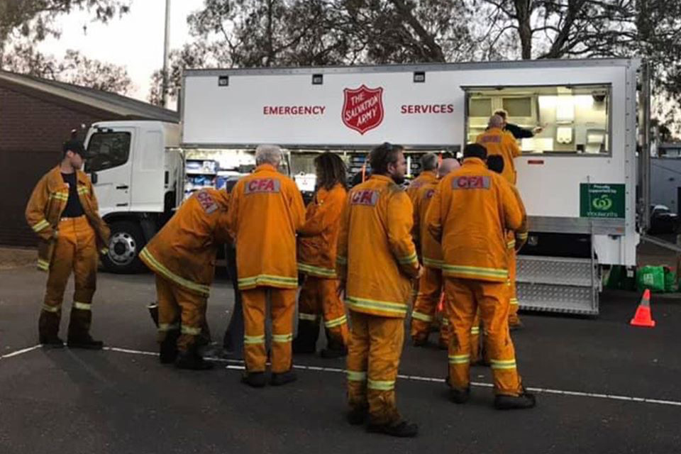 Salvation Army in Australia Provides Support to Evacuees and Firefighters